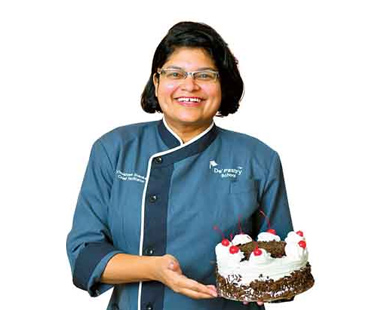 Malay mistress of French pastry woos Malayali customers